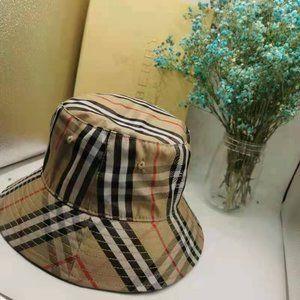 Burberry Vintage Nova Plaid Check Bucket Hat